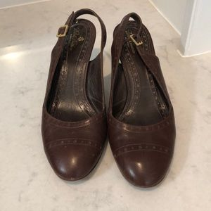 Brown brooks brothers pumps